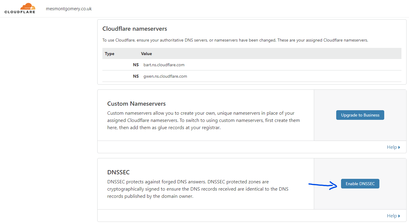 Highlighting the enable DNSSEC button within Cloudflare